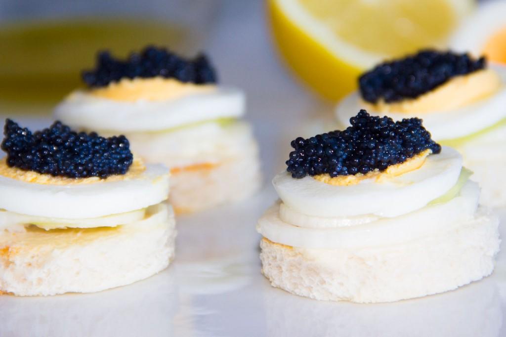 031-canape-caviar-y-pepino-P1