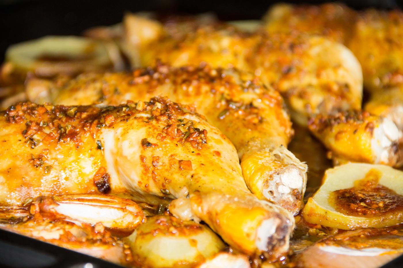 Muslos de pollo con salsa piri piri comando cocina for Muslos pollo en salsa