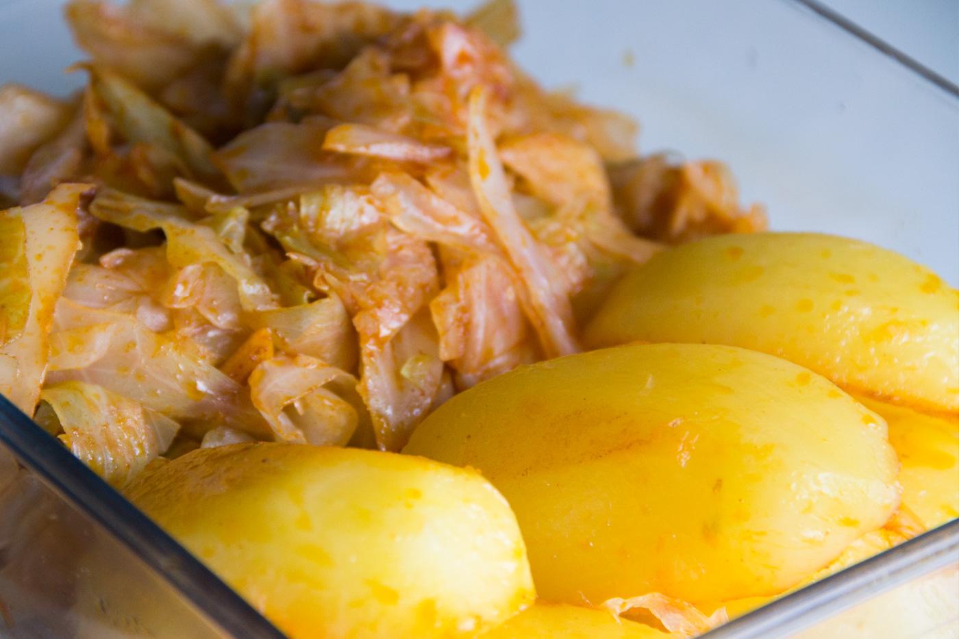 Col o berza con patatas al piment n i comando cocina - Patatas en olla rapida ...