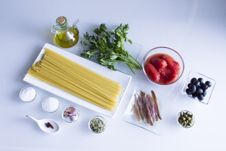 106-espaguetis-puttanesca-ingredientes1