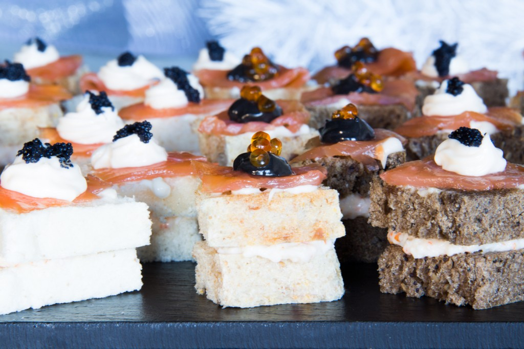 115-canapes-chatka-salmon-caviar-p4