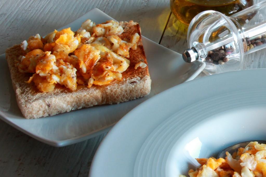 134-huevos-rotos-desayunar-13-tostada