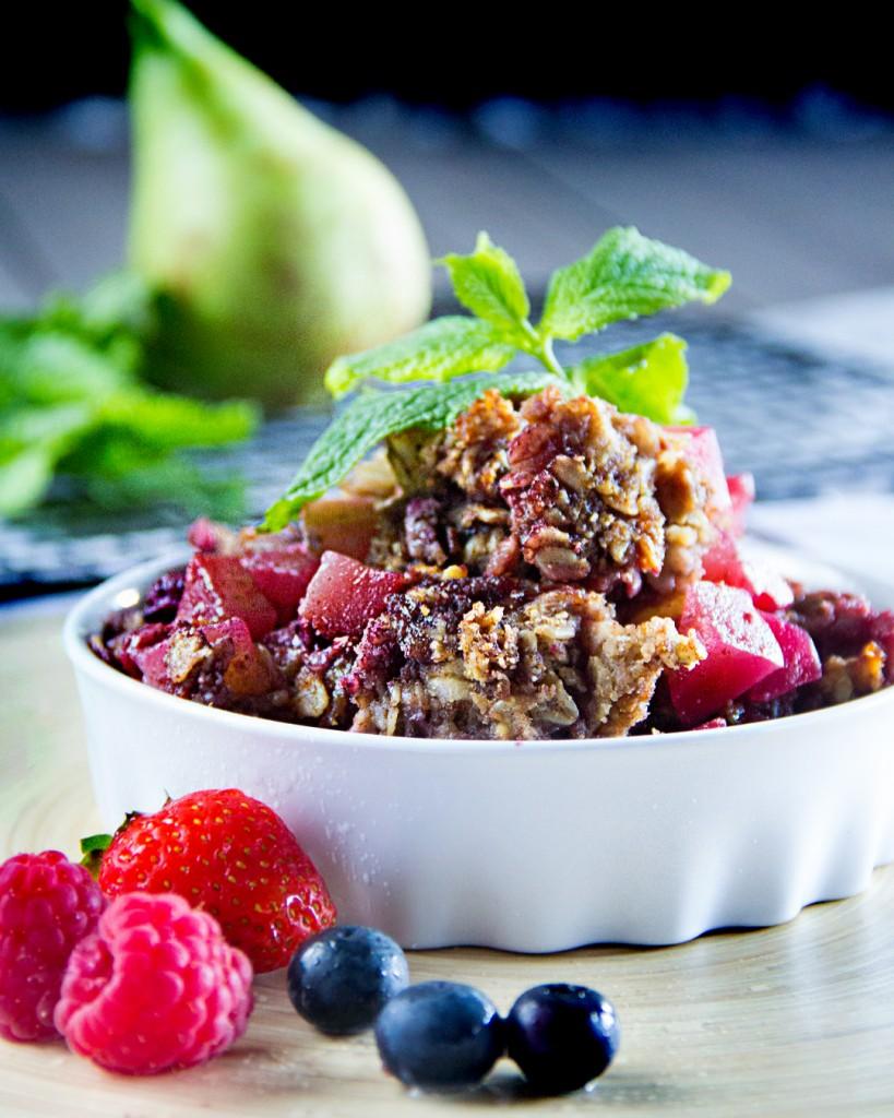 174-01-crumble-de-pera-y-frutos-rojos-1080x1350