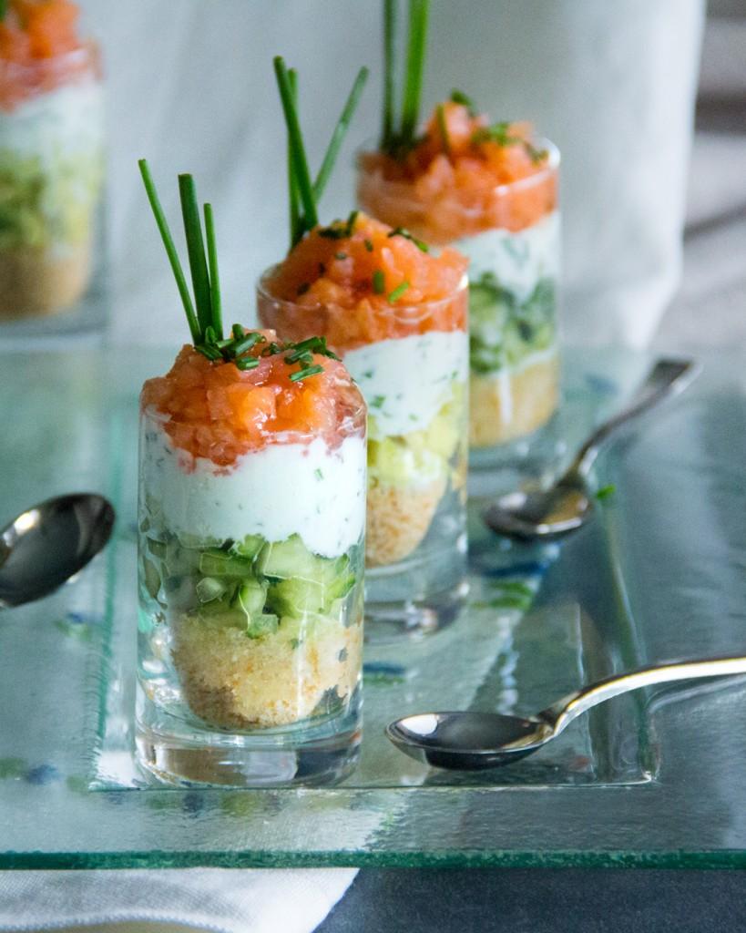 187-12-2-vasito-salmon-ahumado-salsa-yogur-cebollino-1080x1350