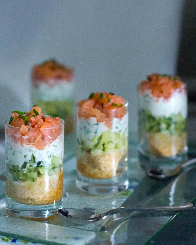 187-17-vasito-salmon-ahumado-salsa-yogur-cebollino-1080x1350