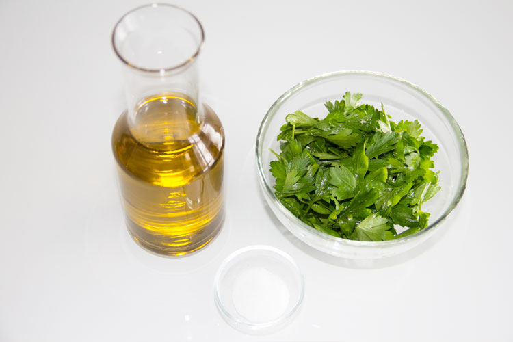 026-aceite-perejil-ingredientes-S
