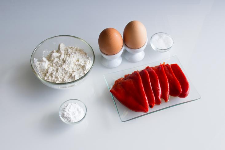094-rollito-bizcocho-piquillos-ingredientes1
