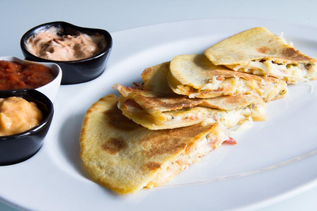 111-quesadillas-queso-bacon-03