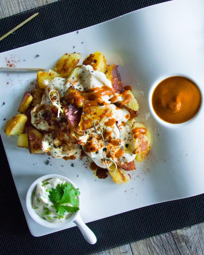 219-35-patatas-bravas-alioli-1080x1350