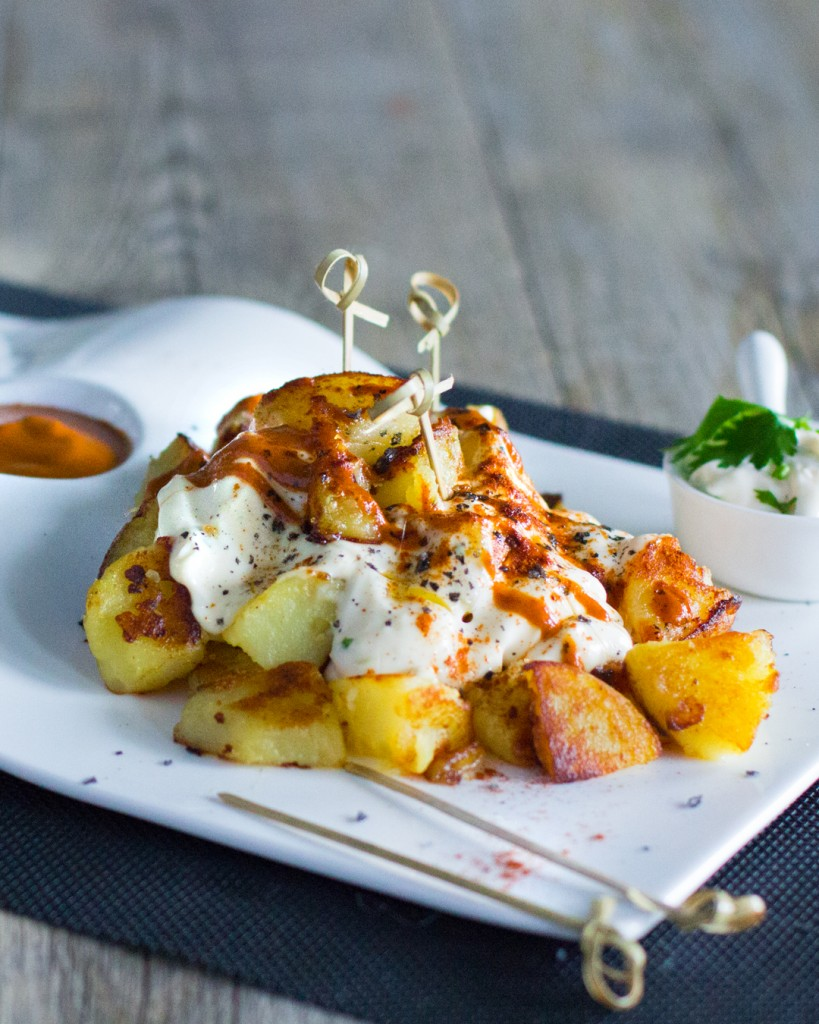 219-37-patatas-bravas-alioli-1080x1350